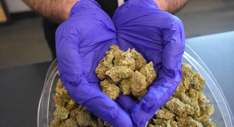 Oklahoma allows curbside medical marijuana sales