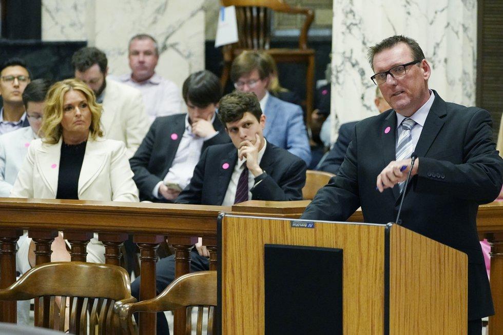 Mississippi lawmakers hear testimony on medical marijuana