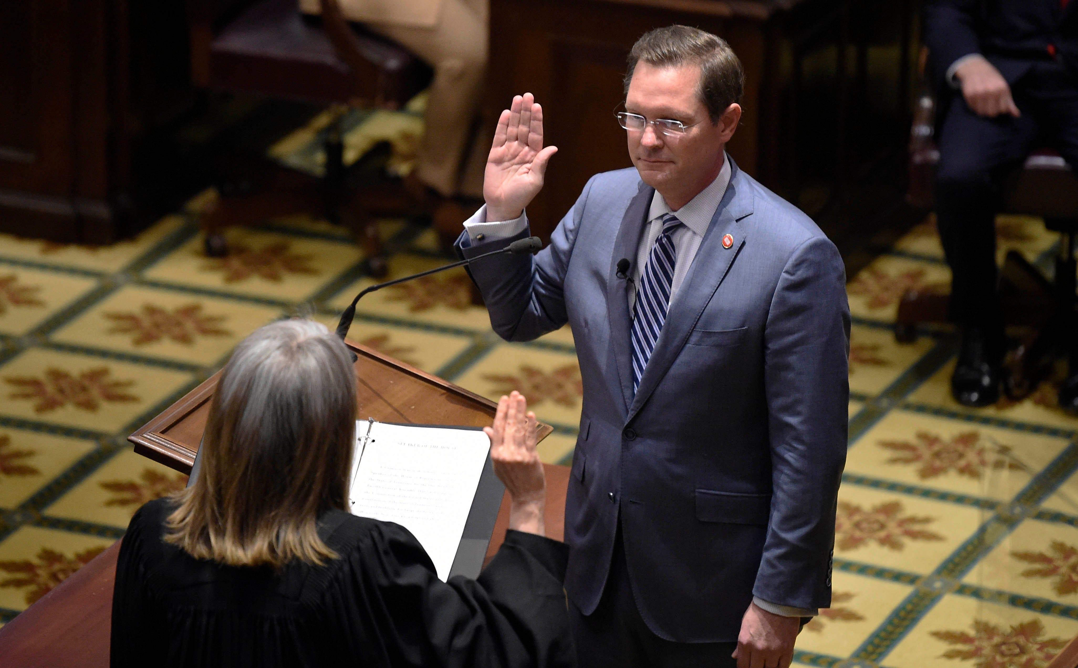 Tennessee legislature compromises on low-THC medical cannabis oil